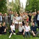Gruppenfoto mit Stadtrat Ludwig und Bezirksvorsteher Papai